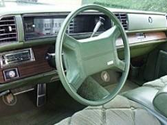 """1975 Buick Electra Oro pagalvės """"AIRBAG"""" veikimo principas"""