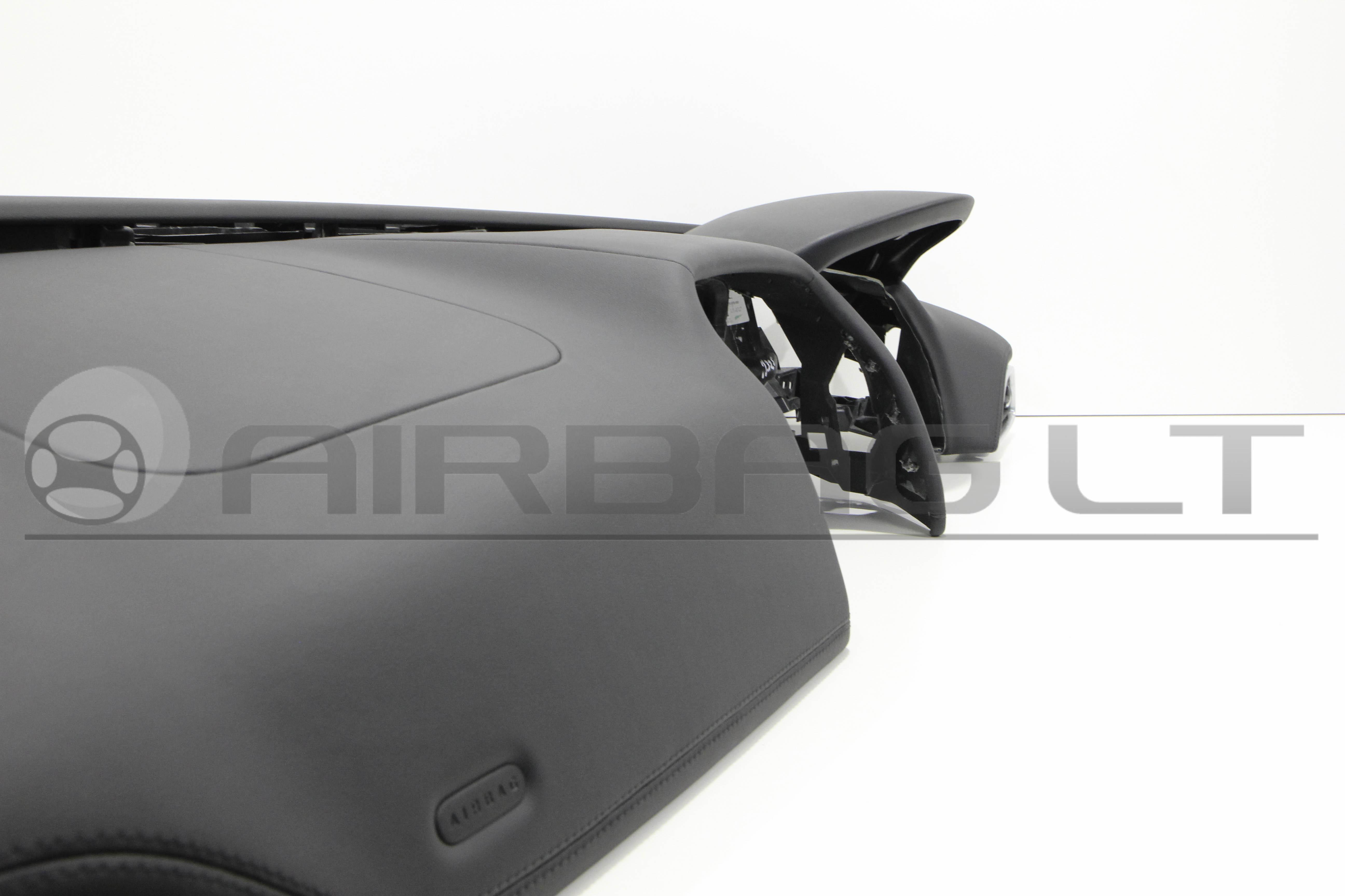 Jaguar XE, panelė 2015