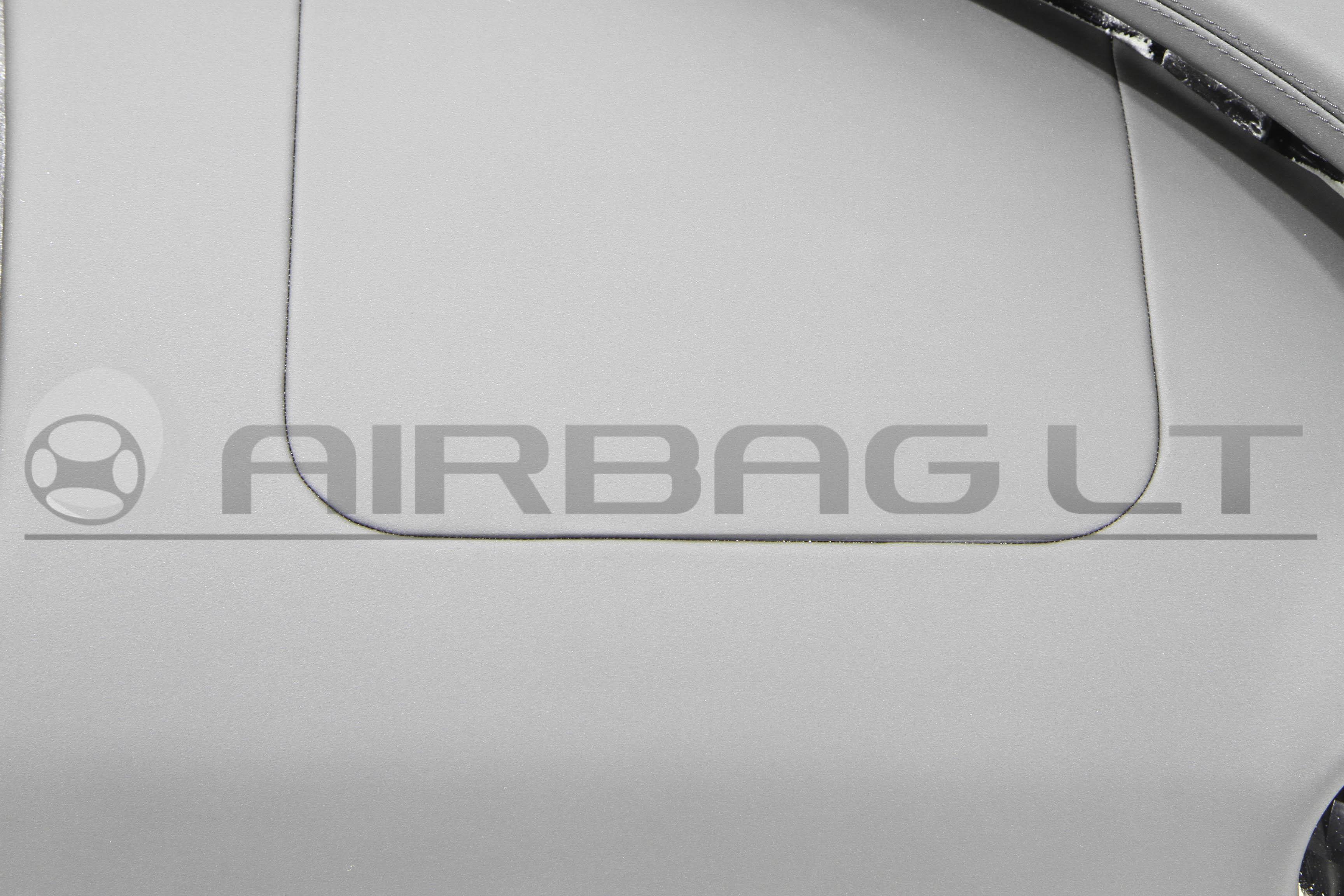 Jaguar XJ, panelė  2010