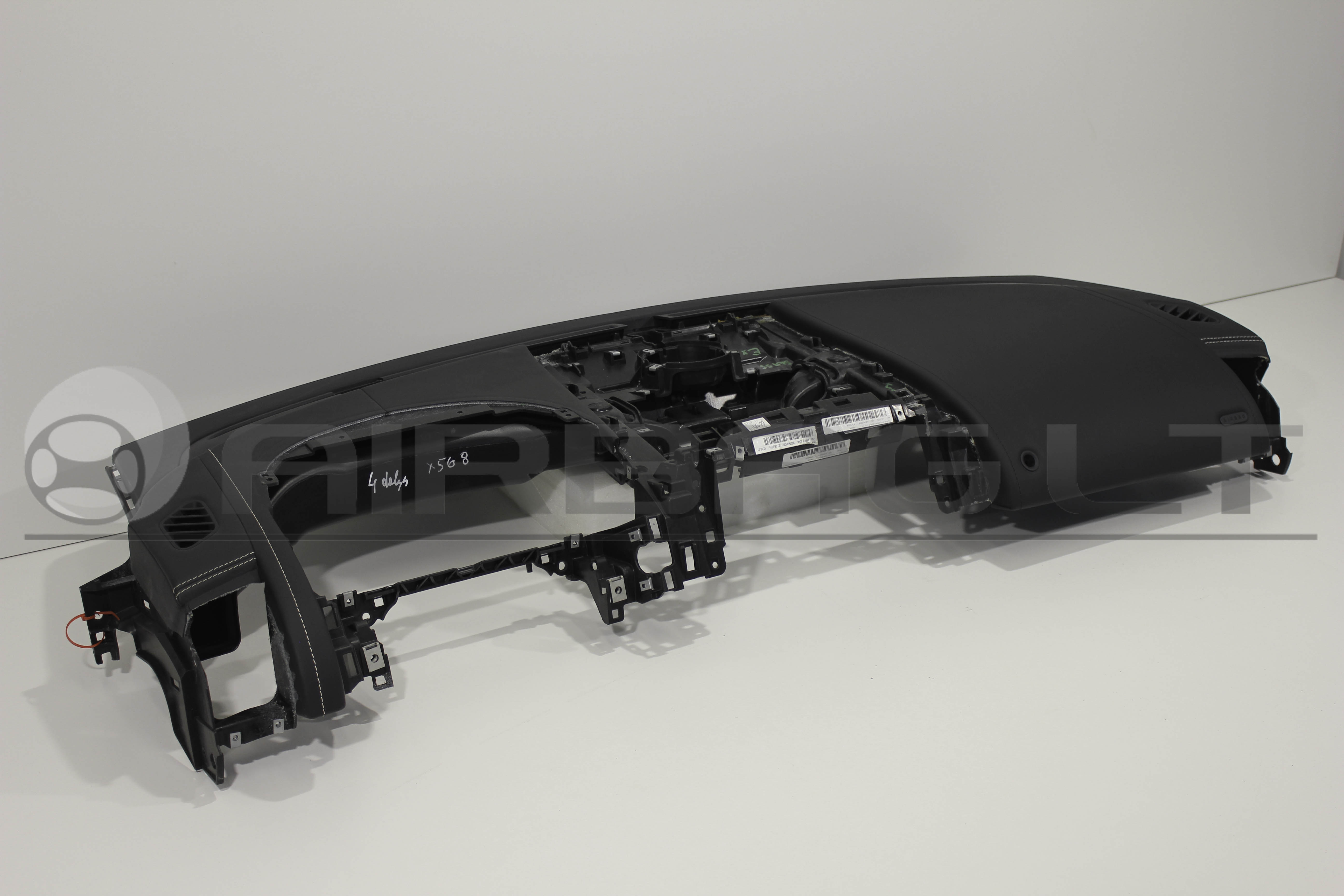 Jaguar F-Type, panelė 2014